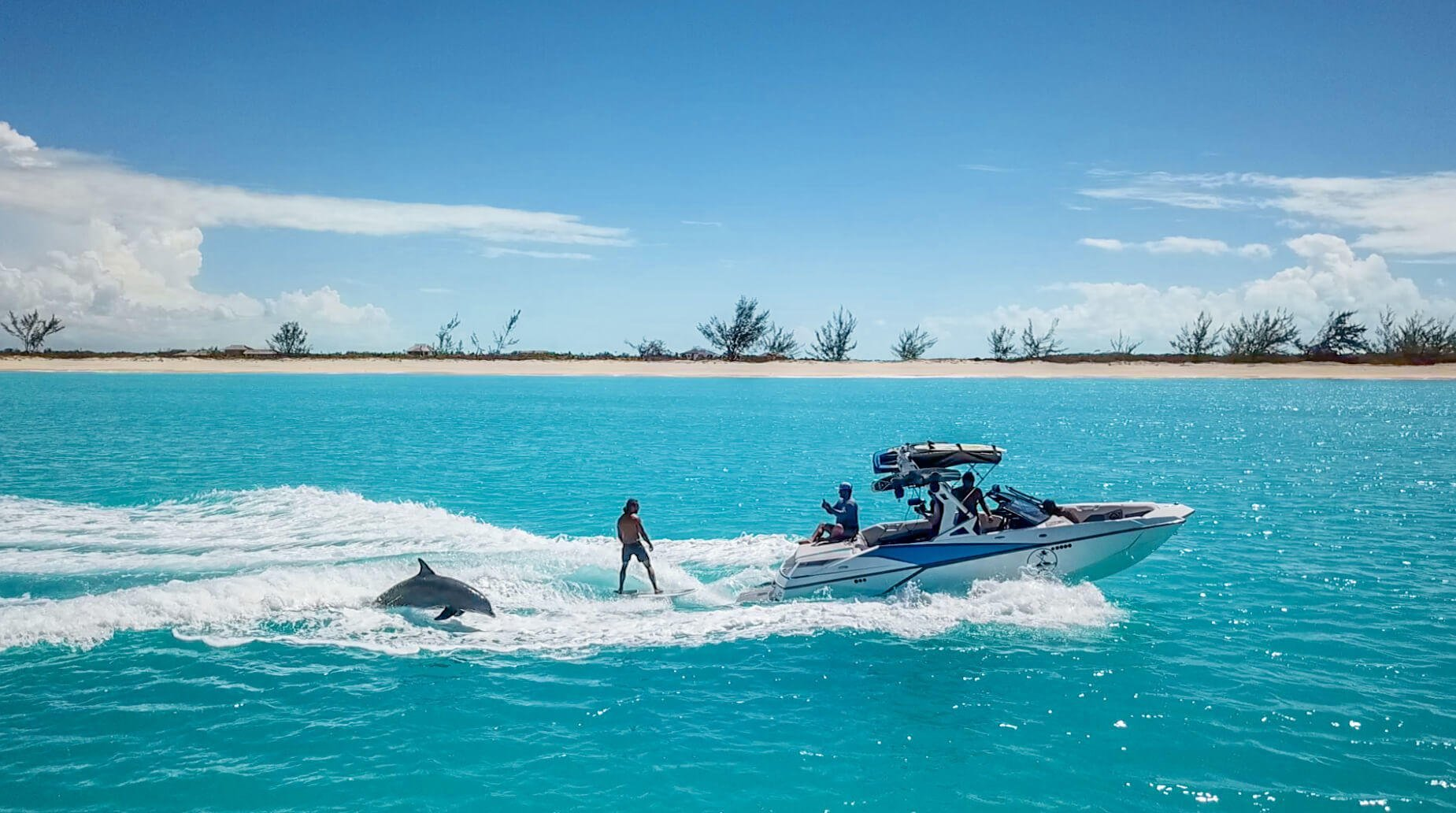 wakesurfing-with-dolphins-turks-Caicos